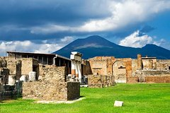 Private tour of Pompeii, Mt Vesuvius, and wine farm
