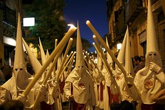 Imagen Small-Group Walking Tour: Holy Week in Seville