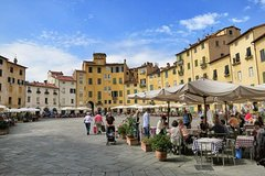 Private Guided Tour: Pisa and Lucca from Florence