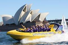 Imagen 30-Minute Sydney Harbour Jet Boat Ride: Thunder Twist