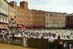 Private Excursion to Siena, San Gimignano and Chianti Landscapes