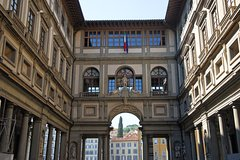 Skip the Line: Florence Uffizi Gallery Small Group Tour