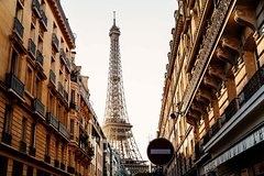 Imagen Private Walking Tour with Highlights and Hidden Gems of Paris