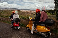 Private Vespa Tour in Florence & Chianti