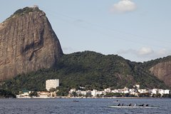 Imagen Rio de Janeiro Super Saver: Guanabara Bay Cruise with Barbecue Lunch, Christ the Redeemer and Selaron Steps by Van