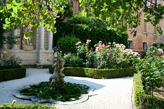 Secret Gardens of Venice Walking Tour
