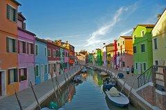 Explore the Venetian Lagoon: Murano, Burano and Torcello Islands Half-Day T