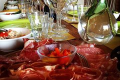 Private Organic vineyard Tour, wine, Olive Oil, Balsamic tasting and Light Meal