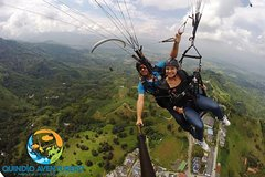 Imagen Dare to live a unique experience flying paragliding