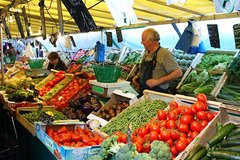 Imagen Local Food Market Walking Tour near the Marais