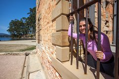 Imagen Historic Port Arthur Day Trip from Hobart Including Cliff-Top Walk to Waterfall Bay
