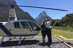 Imagen 2-Hour Milford Sound Helicopter Tour Including Glacier Landing