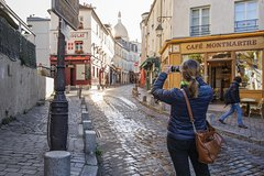 Imagen 2.5-Hour Walking Tour of Magical Montmartre District