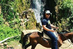 Imagen Private Day Tour of Jardín with Horseback Ride and Coffee Villa from Medellin