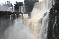 Imagen Cataratas del Iguazú: visita a los lados argentino y brasileño en dos días