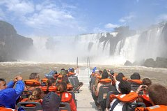 Imagen Gran Aventura en las Cataratas del Iguazú: senderismo, paseo en vehículo de tracción en las cuatro ruedas, paseo en barco