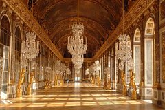 Imagen Skip the Line: Versailles Palace and Gardens Tour from Versailles
