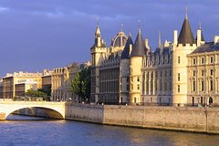 Imagen Skip the Line: Paris Conciergerie Entry Ticket