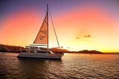 Cairns Luxury Catamaran Harbor and Dinner Cruise