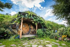 Imagen Hobbiton Movie Set Small Group Tour from Auckland