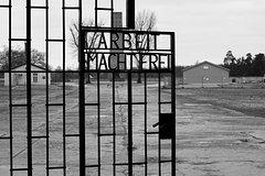 Imagen Berlin Private 6-Hour Tour to Sachsenhausen Concentration Camp Memorial