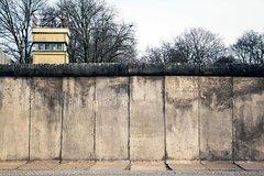 Imagen Visite privée à pied: Derrière le rideau de fer et le mur de Berlin