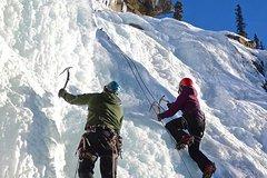 Jasper Canadian Rockies Ice Climbing in Maligne Canyon 38238P3