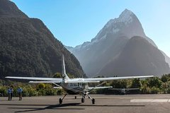 Imagen Scenic Flight Transfer to Queenstown from Milford Sound