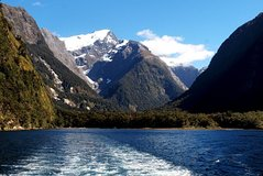 Excursions,Activities,Full-day excursions,Water activities,Excursion to Milford Sound