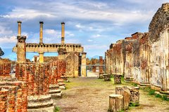 Private last minute tour of Pompeii archaeological site with skip-the-line entry
