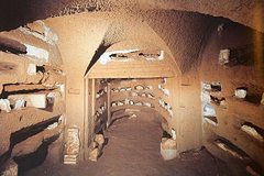Rome: 2-Hour Catacombs of Saint Callixtus Guided Tour