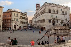 Perugia: private walking tour with a local guide