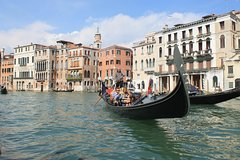 Venice: 30 Minute Private Gondola Ride