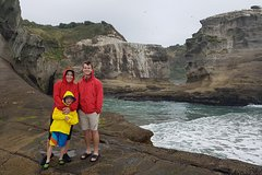 Imagen Family Adventure Day Trip to Black Sand Beaches from Auckland