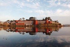 Imagen Hobart City Sightseeing Tour Including MONA Admission
