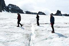 Imagen Visita de senderismo de un día completo al Glaciar Ojo del Albino desde Ushuaia