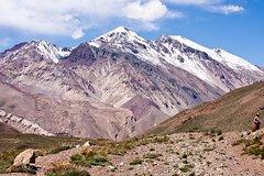 Imagen Excursión de día completo de alta montaña para grupos pequeños desde Mendoza