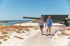 Imagen Rottnest Island Historical Train and Tunnel Tour from Hillarys Boat Harbour