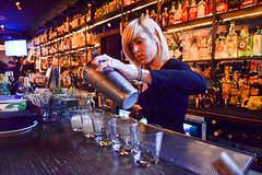 NYC East Village: Craft Cocktails and Speakeasies Walking Tour (Small Group)