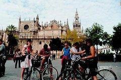 Imagen Adventurous Seville Electric Bike Tour