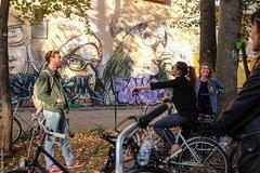 Imagen Berlin Street Art Private Bike Tour