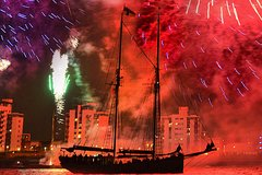 Thames Tall Ship Cruise - Fireworks