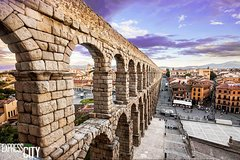 Imagen Enjoy an half day trip to majestic Segovia with official guided tour included