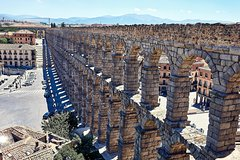 Imagen Book your trip in a turist bus to magic Segovia from Madrid by just 33 euros