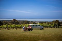 Imagen Private Mornington Peninsula Indulgence Tour Including Peninsula Hot Springs and Lunch at Max's at Red Hill Estate