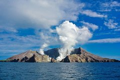 Imagen Shore Excursion - White Island Volcano Experience Cruise & Guided Exploration