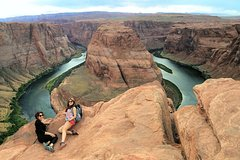 Antelope Canyon and Horseshoe Bend Overnight Tour from Las Vegas