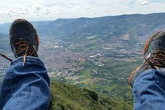 Imagen Private Medellin Paragliding and Christmas Lights Tour