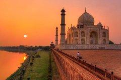 Private Luxurious Overnight Taj Mahal Tour With Agra Walks