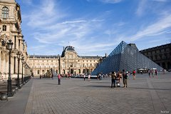 Imagen 1.5 Hour Louvre Museum Must-See Private Guided Tour
